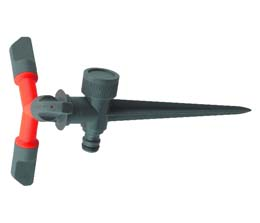 3 ARM MULTI SPRINKLER - PLASTIC SPIKE